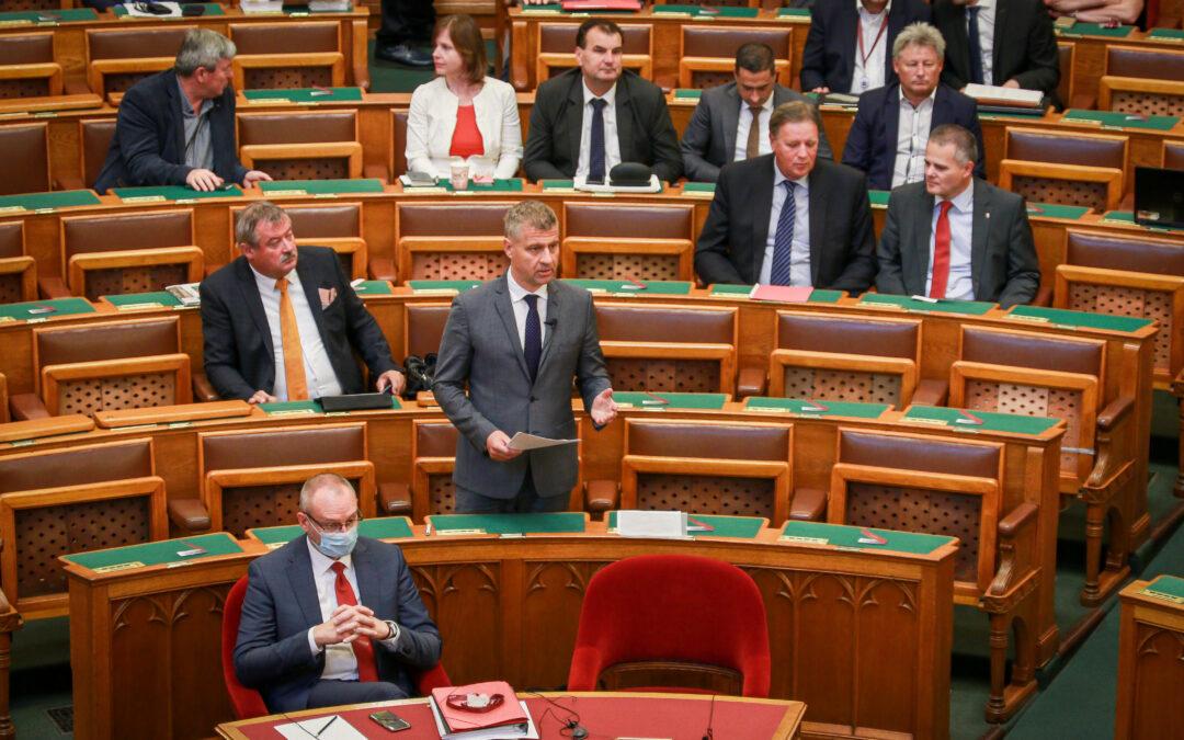 Szatmáry Kristóf: A sikeres járványkezelésnek köszönhetően Magyarország elérte a járvány előtti teljesítményét!
